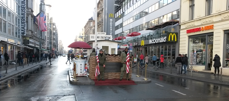 Checkpoint Charlie Tag